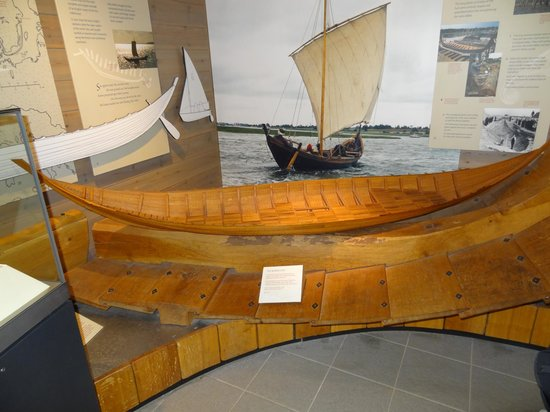 Sutton Hoo:                   model of the boat found