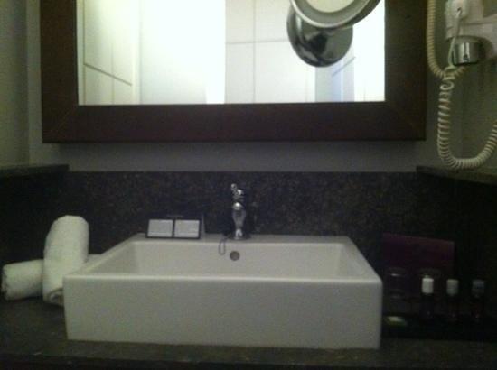 Hotel Banys Orientals:                   Toilet