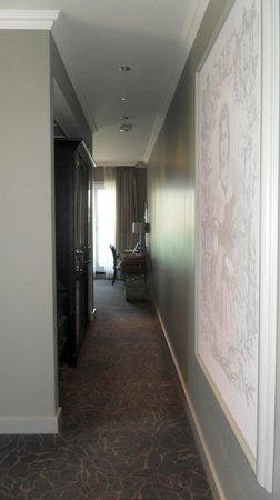 Queen Victoria Hotel:                   Hallway