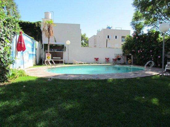 Break Point Hostel: piscina