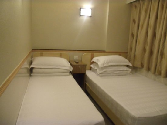 Golden Crown Guesthouse:                   1 Single Bed and 1 Double Bed
