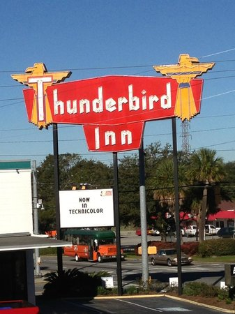 The Thunderbird Inn:                   Retro Sign