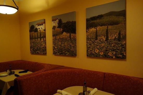 Casa Mia Trattoria Pizzeria:                   Nice Art at Casa Mia