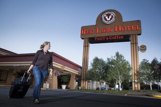 Red Lion Hotel Kelso/Longview: Parking Lot