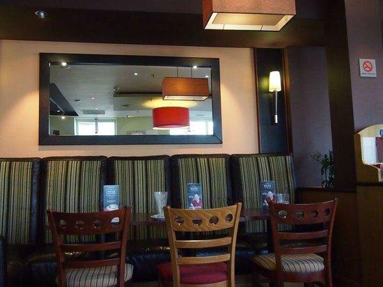 Costa Coffee: Интерьер