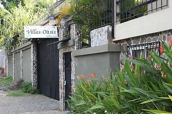 Villas Oasis:                   Entrance