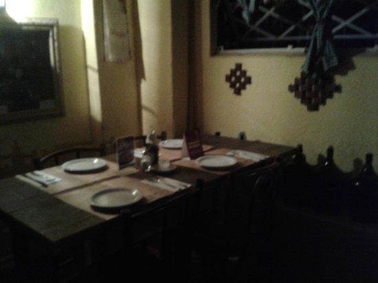 Cantina do Delio :                   Mesas na parte debaixo (subsolo)