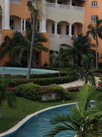Iberostar Rose Hall Suites:                   Courtyard