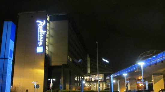 Radisson Blu Hotel, Manchester Airport:                   Radisson Blu