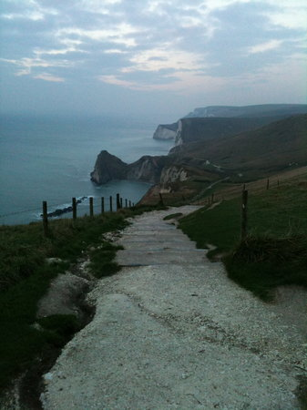 Bindon Bottom B&B: Walking down to Durdle Door from Lulworth Cove