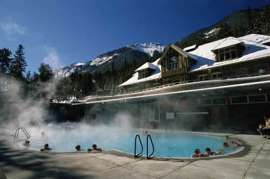 Banff Upper Hot Springs Bathhouse in winter- Credit Parks Canada, Brenda Falvey