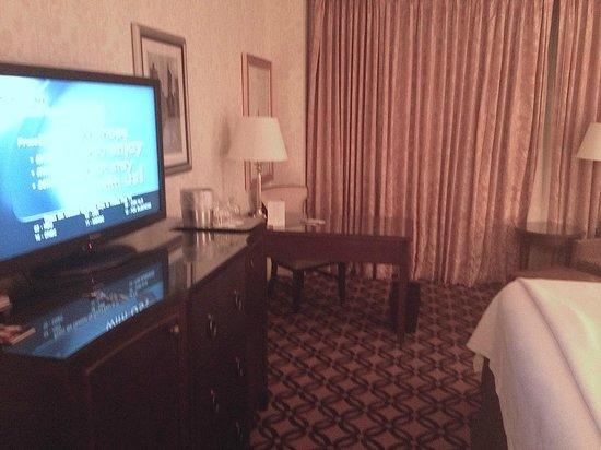 Omni San Francisco Hotel:                   Signature Room view 1