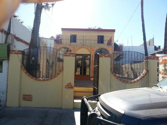Baja Backpackers Hostel:                   Fachada