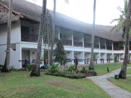 Voyager Beach Resort:                   room ans gardens