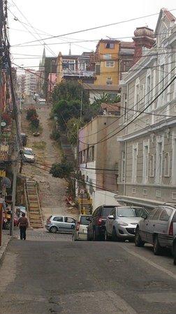 Hostal Cerro Alegre:                   Dans une rue adjacente à l'hôtel