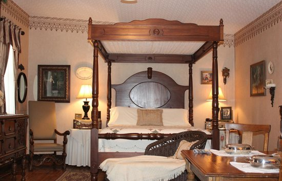 Abigail's Grape Leaf Bed & Breakfast, LLC: Happy Wanderer Suite