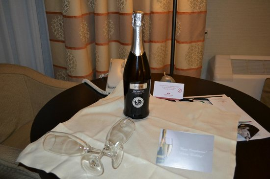 Crowne Plaza Rome - St. Peter's:                   Birthday prosecco