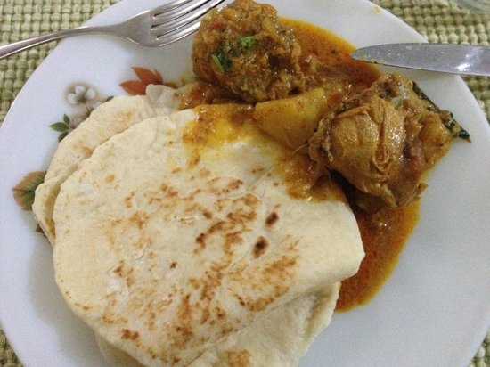 Nelpura Heritage Homestay:                   First night chicken curry