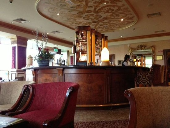 The Heritage Killenard:                   Hotel bar
