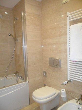 Eurostars Roma Aeterna:                   Bathroom