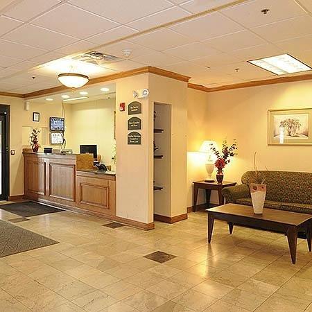 Magnuson Hotel Calumet Park : Lobby