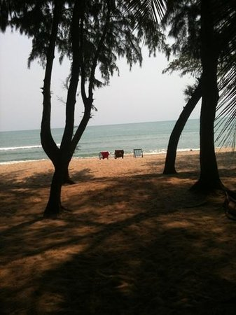 Laem Kum Beach Resort & Seafood:                   Härlig strand!