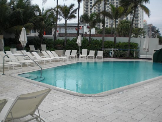 Sonesta Fort Lauderdale Beach:                                     Pool