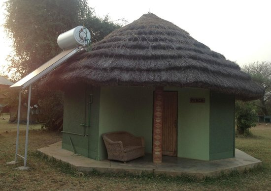 Red Chilli Rest Camp, Paraa:                   A typical banda