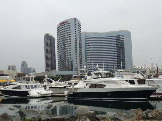 San Diego Marriott Marquis & Marina: Hotel from Marina