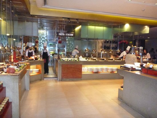 Heat, Edsa Shangri-la:                   Heat Buffet Restaurant