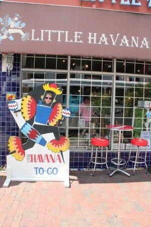 Domino Park: Tienda donde tomamos café cubano