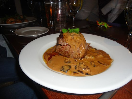 Corbiere Phare : Fillet steak and pepper sauce