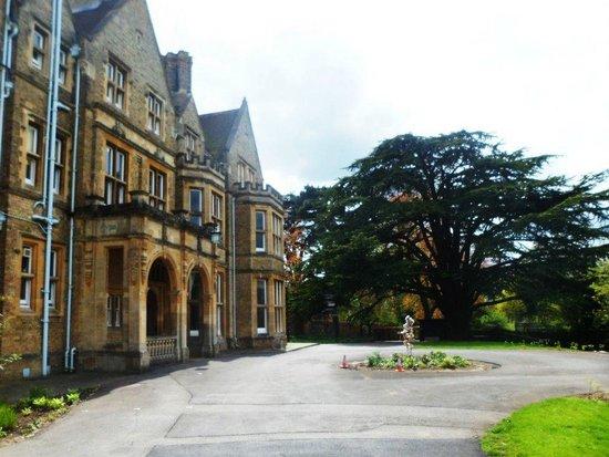 St. Hilda's College