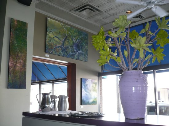 Artichoke Cafe : Wall decorations