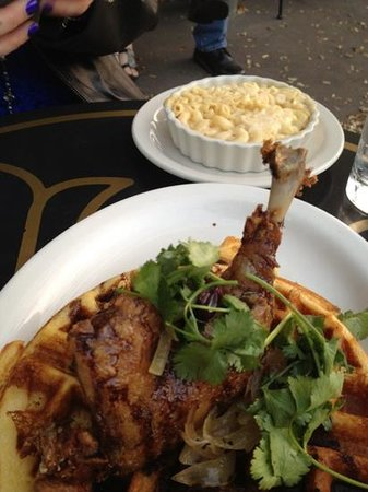 Abi-Haus :                                                       duck Confit and waffles!