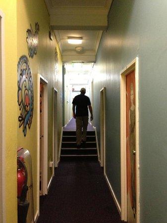 Funk House Backpackers Hostel Sydney :                   Hallway