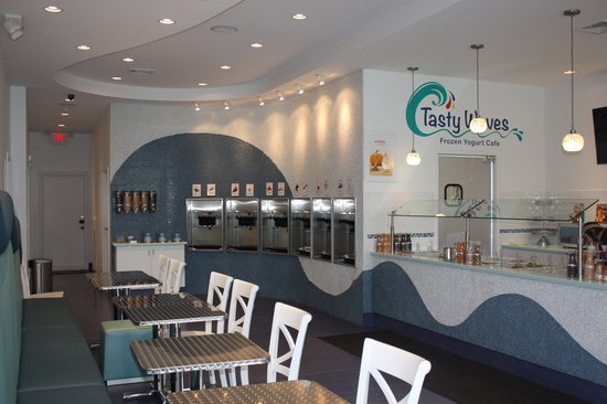 Tasty Waves Frozen Yogurt Cafe