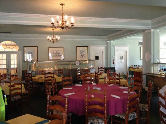 Colonial Dining Room: Dining Room