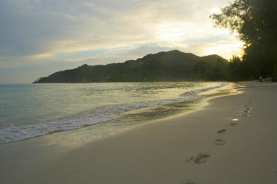 Hotel Cote D'or:                   spiaggia  ore: 5:55 am