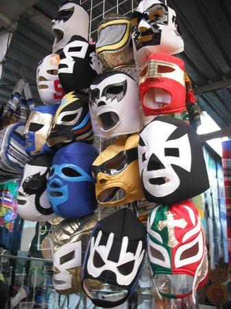 Mercado de Artesanias La Ciudadela :                   .