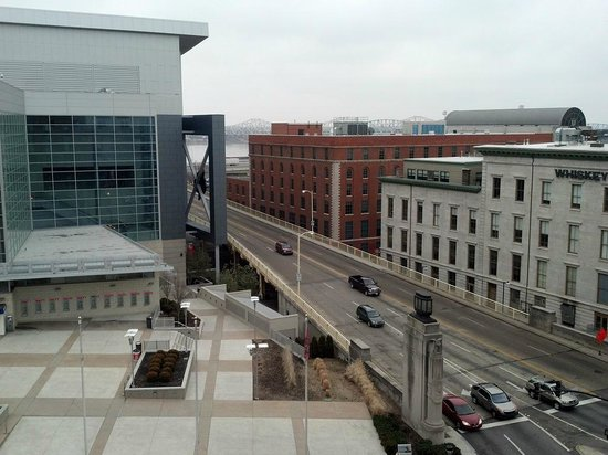 Courtyard by Marriott Louisville Downtown:                   view from 8th floor