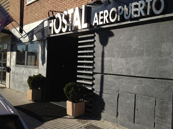 Hostal Aeropuerto:                                     Entrada