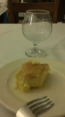 Taverna Cretekou :                   Dessert, with wine