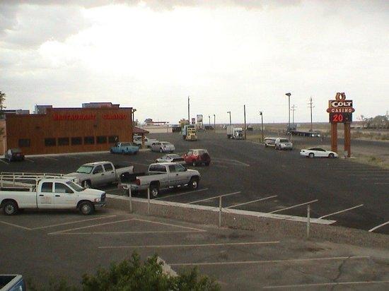 Battle Mountain Inn: Across the parking lot from the Colt Casino