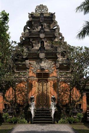Puri Saren Palace