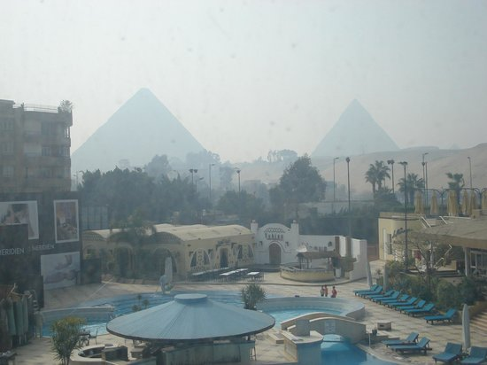 Le Meridien Pyramids Hotel & Spa:                   Pyramid view room!