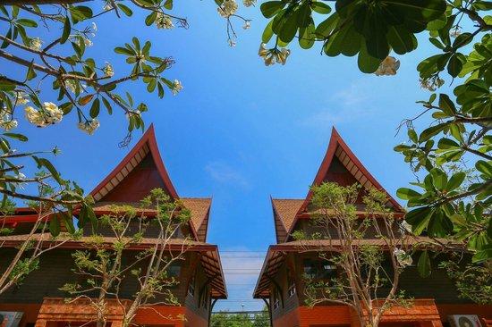 Ayrest Hua Hin Hotel:                   View from Lobby