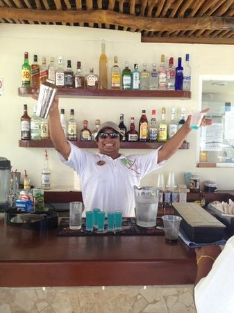 Ixchel Beach Hotel:                   Great staff