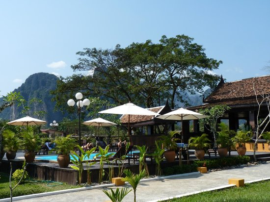 Villa Vang Vieng Riverside:                   Pool area
