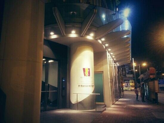 โรงแรมบัตเตอร์ฟลาย ออน มอร์ริสัน บูติค:                   enterance